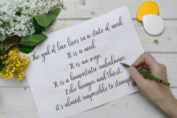 valentinoa-font-2